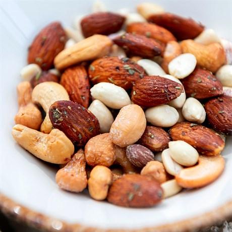Жареные пряные орешки - фото 4716