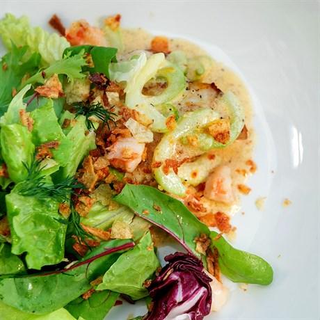 Сибас с соте из креветок в сливочном соусе - фото 4763